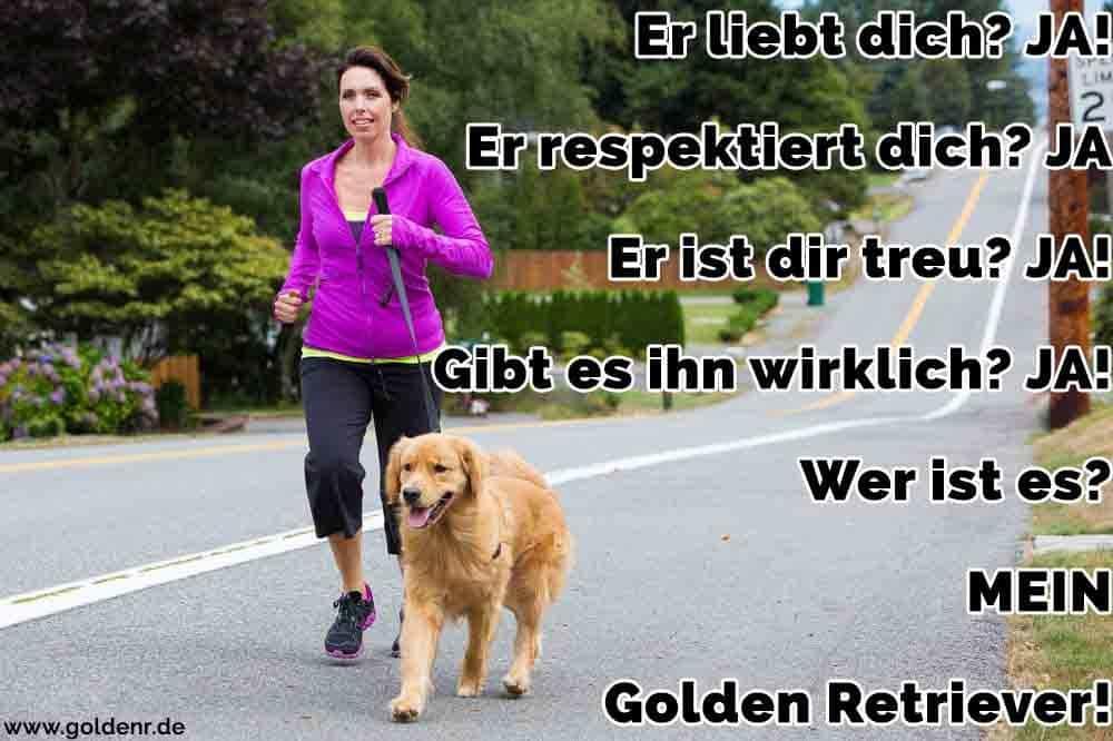 Eine Frau mit ihrem Golden Retriever Joggen
